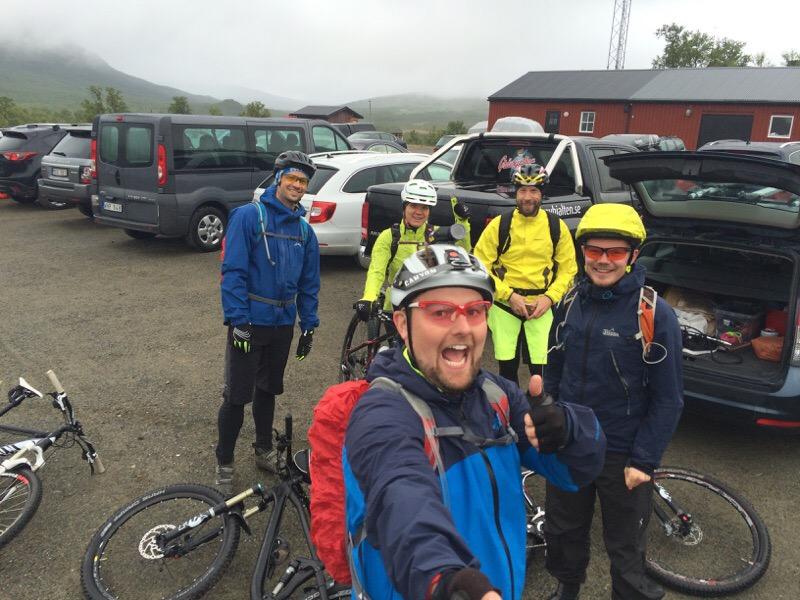 De bästa träningskompisarna jag har! Foto: Stefan med selfiepinnen. Happyride i fjällen döper vi bilden till.