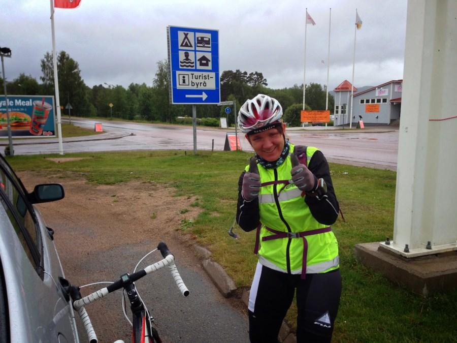 Kanske lite överpepp efter 18 mil och sedan tunga regnmoln mot Finnmarken. Men Sveg hade gott kaffe i allafall.